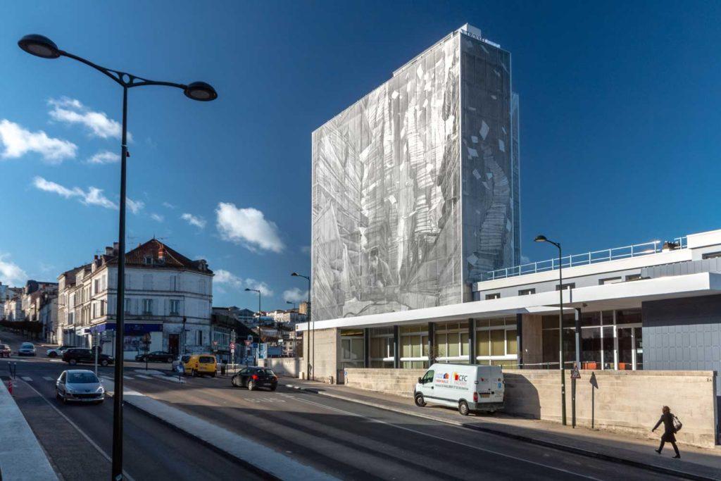 Changement de la façade des archives départementales de la Charente à Angoulême 3